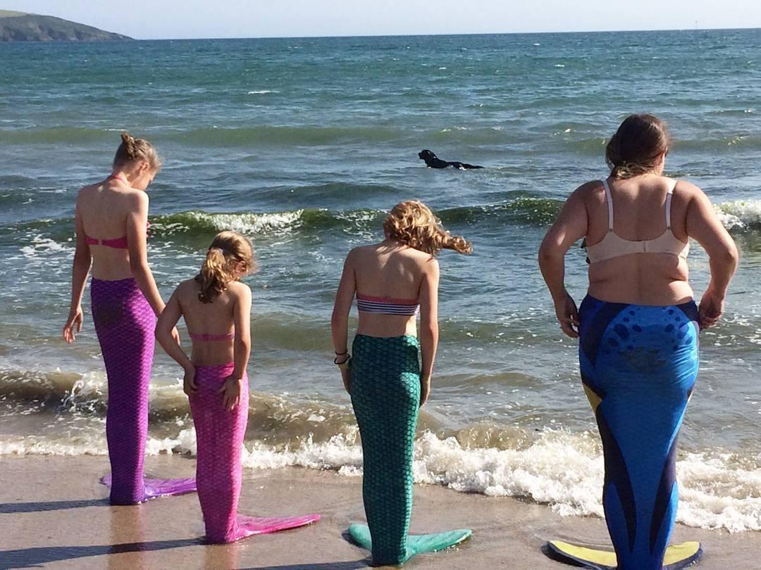 Mindset shift - she's not my ideal client | four mermaids on a beach | carlawatkins.com