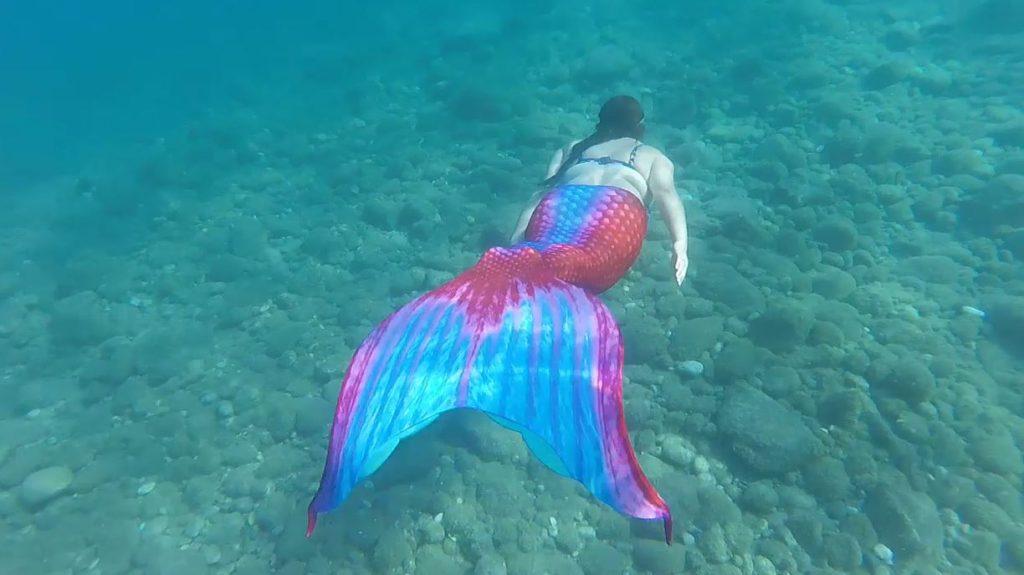 Mermaid Kerenza Sapphire swimming in Rhodes | carlawatkins.com